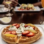 Waffles are just pancakes with abs  Prendre un brunchhellip