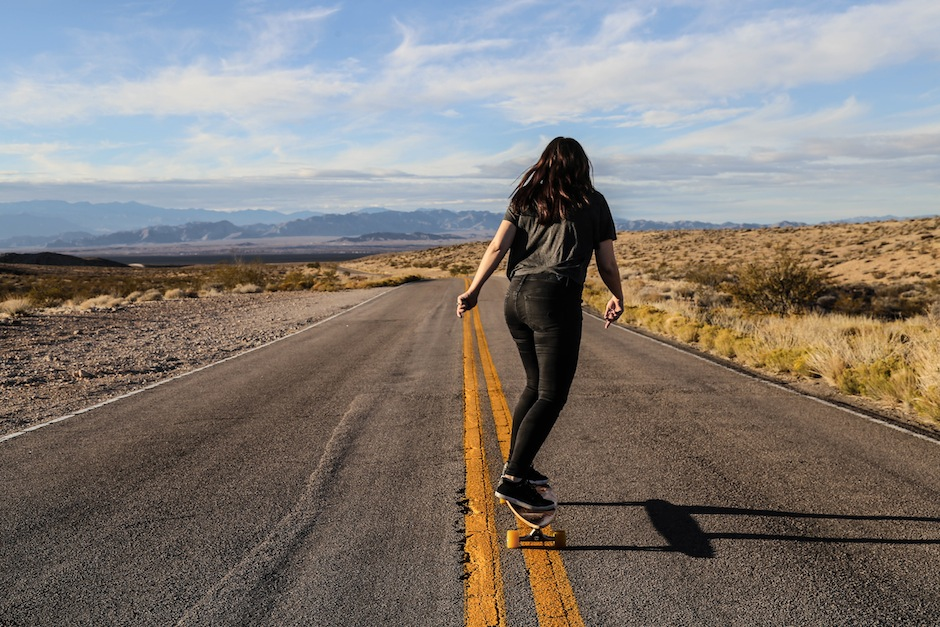 valley-of-fire-state-park-highway-longboard-nevada