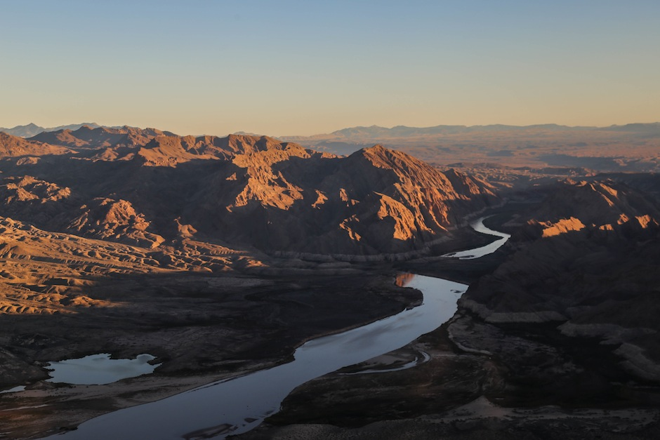 grans-canyon-sunset-helicopter-nevada-usa-colorado-river
