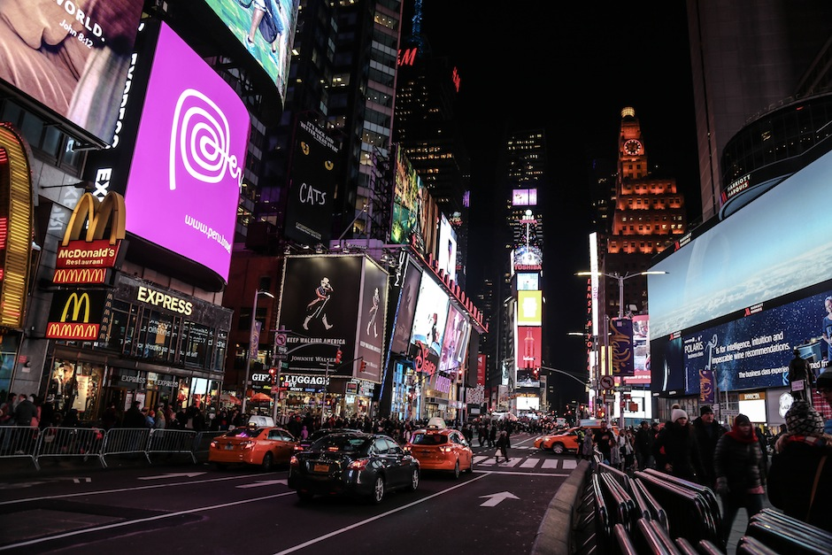 new-york-time-square-manhattan-yellow-taxi