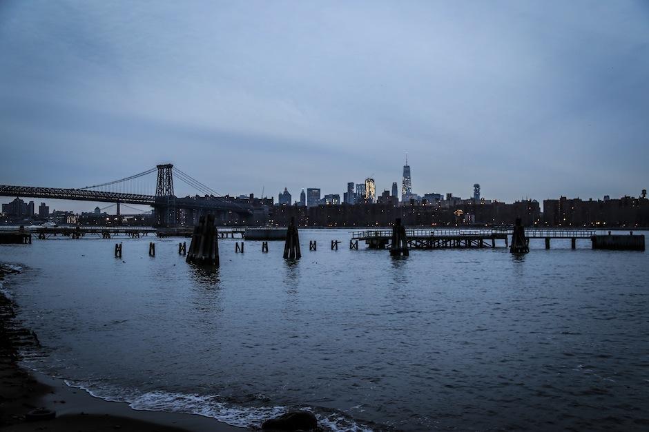 new-york-brooklyn-skyline-manhattan-usa